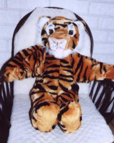 Tiger mit beweglicher Zunge